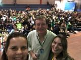 Jornalista Sônia Araripe, Editora de Plurale, com o Professor Klaus (Biologia) e a Capelã Denise - Colégio Batista Shepard - Tijuca