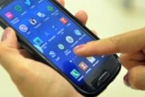Brasileiro trabalha, em média, mais de 25 dias para comprar um smartphone, segundo Instituto Akatu