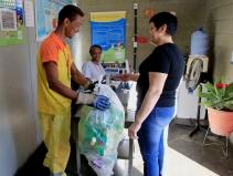 99 e Enel fazem parceria para dar descontos em corridas de táxi e 99POP para quem recicla