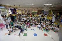 COB leva medalhista olímpica Agatha Rippel para conhecer escola que leva seu nome, em Curicica (RJ)