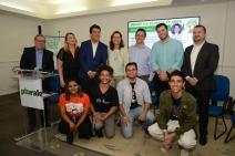 Plurale comemora 12 anos com Seminário apresentando cases sustentáveis e realizando diálogo com jovens protagonistas. Abertura foi com o jornalista André Trigueiro