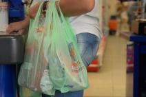 Supermercados do Rio não oferecem mais sacolas plásticas gratuitas