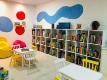 Inauguração de biblioteca comunitária leva leitura para 250 crianças em Fernando de Noronha