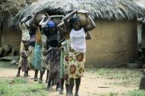 Estudo global do PNUD propõe renda básica temporária para mulheres mais pobres