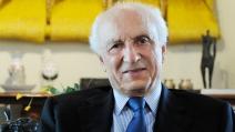 Rubens Ricupero diz que o Brasil usou e abusou do direito de errar na compra de vacinas e minimizou o problema
