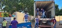 Famílias e instituições de Poconé recebem doação de 21 toneladas de frango e salsicha