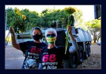 Flores para os blindados - Avós engajadas contestaram a presença de veículos militares na Esplanada dos Ministérios em Brasília