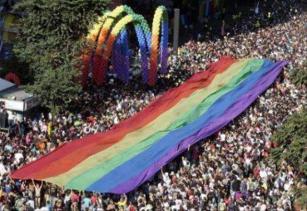 Pesquisa revela: 70% dos internautas brasileiros acham o Brasil um país homofóbico