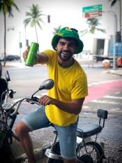 """Flávio Fusco está na campanha """"Vá de lata"""", sobre sustentabilidade na Copa"""