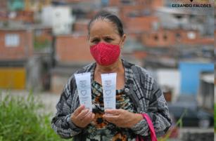 ESPECIAL CORONAVÍRUS - Favelas de Ferraz de Vasconcelos recebem doação de 20 toneladas de álcool em gel do Grupo Boticário