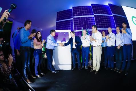 Mar de placas fotovoltaicas inunda o sertão do Piauí e cria a maior usina solar em operação na América do Sul