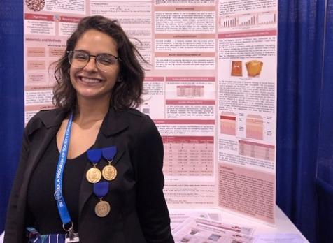 Juliana Estradioto: a pesquisadora brasileira de 18 anos que tem se destacado no Brasil fica em primeiro lugar em Feira de Ciências nos EUA