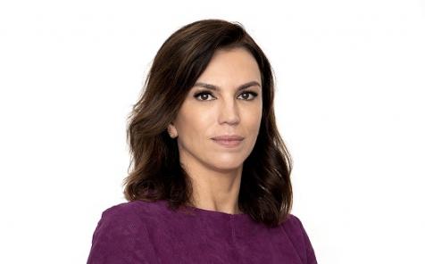 PLURALE EM REVISTA, EDIÇÃO 72- Entrevista com a jornalista e escritora Ana Paula Araújo sobre seu livro de estreia -