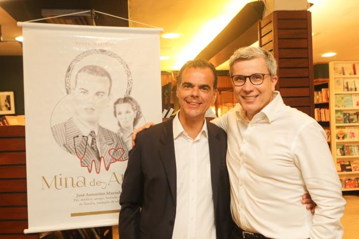 Encontro de Paulo Marinho e Júlio Gama em lançamento na Livraria Argumento, Leblon/Rio/ Foto de Eny Miranda