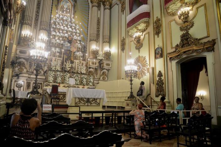 ESPECIAL CORONAVÍRUS – Arquidiocese adia as celebrações pelo Dia de São José, na Igreja de São José, centro da cidade, pela pandemia do novo coronavírus (Covid-19), e pede que fiéis mantenham distância entre si. Foto de Fernando Frazão, da Agência Brasil