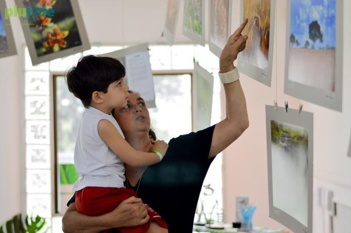 LUCIANA TANCREDO e o neto, Gabriel, no Evento #PURALE12ANOS / Foto de Rafaela Cassiano