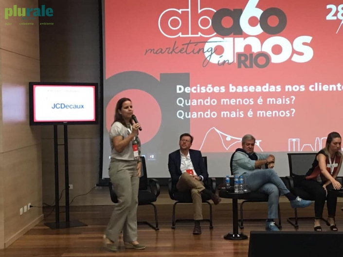 Roda de diálogo sobre sustentabilidade - Palestra da Jornalista Sônia Araripe, de Plurale. Foto de Plurale.